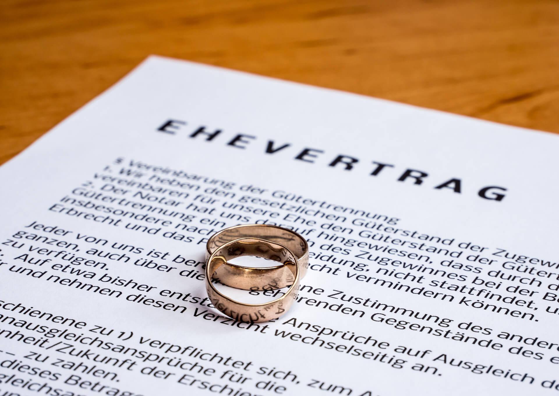 Abbildung Ehevertrag mit Ringen